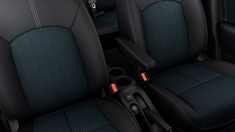 nissan-versa-note-interior-seats-1